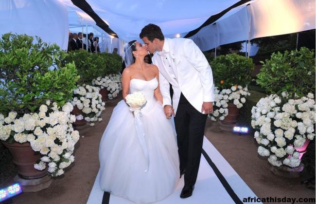 CELEBS THISDAY: KIM KARDASHIAN'S FIRST WEDDING PICTURES.